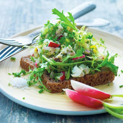Healthy Smoked mackerel salad on rye bread. For the full recipe and more, click the picture or visit RedOnline.co.uk