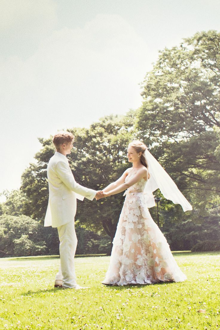 #beatrice #Mira Zwillinger #NOVARESE #pink #white #flower #dress #weddingdress #wedding #tuxedo #ミラ・ズウィリンガー #ノバレーゼ #ピンク #花 #フラワー #ガーデン #カラードレス #ウエディング
