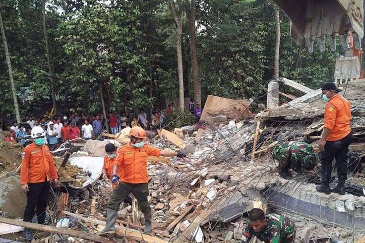 Indonesia earthquake kills at least 54 http://www.biphoo.com/bipnews/world-news/indonesia-earthquake-kills-at-least-54.html