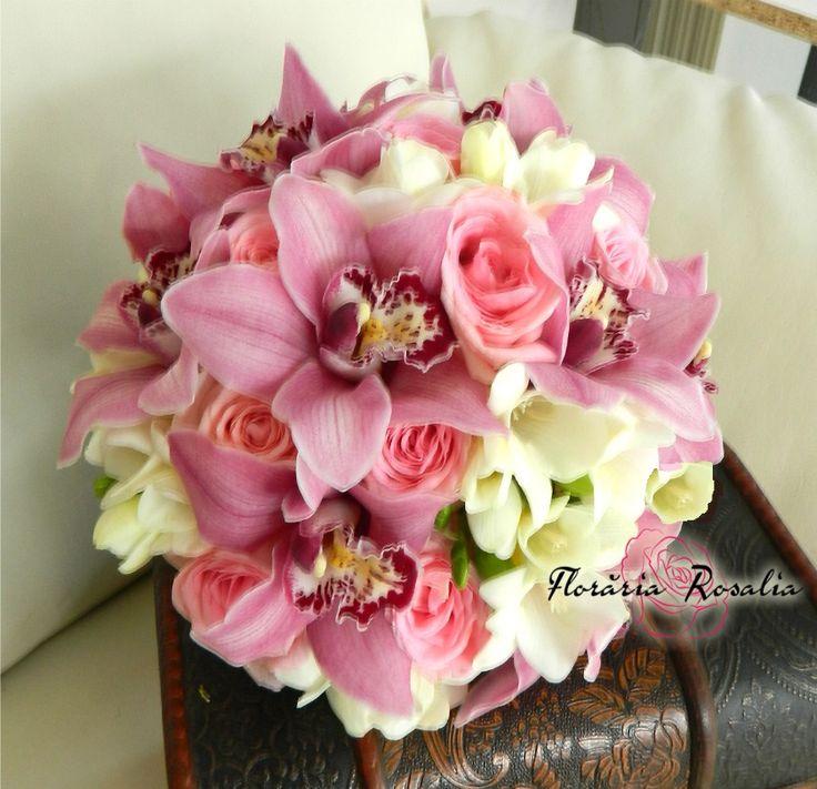 https://www.floraria-rosalia.ro/36-buchete-mireasa