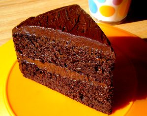 Healthier Flourless Chocolate Cake -Chocolate cake made without flour, sugar, or dairy. Diabetic-friendly, Low carb and gluten-free