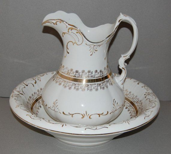 1000 images about antique pitchers and basin sets on pinterest basins wash stand and bowls. Black Bedroom Furniture Sets. Home Design Ideas