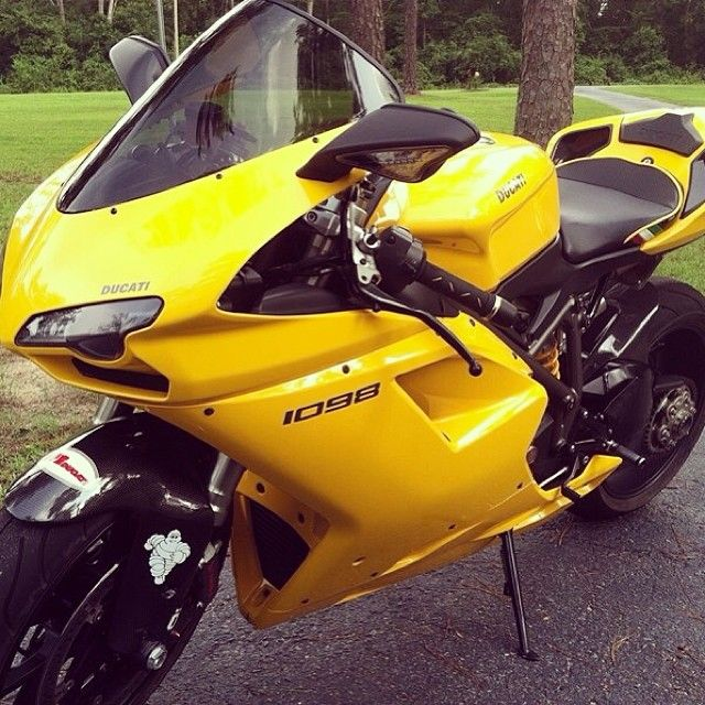 This upgraded 2007 #Ducati 1098 is FOR SALE. You can check out the full list of upgrades and more photos at => www.CycleCrunch.com/410901 -- The seller is asking $8,500 and is located in Savannah, GA. -- #Sportbike  #motorcycle #Ducati1098 #crotchrocket #cyclecrunch