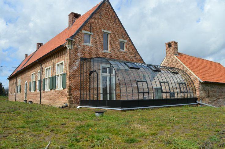Serre aangebouwd aan historische hoeve in Holsbeek