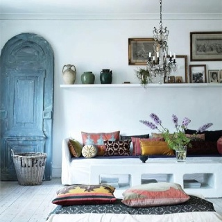 Awesome Greek Home Interior With Light Filled White Décor
