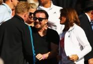 LONDON, ENGLAND - JUNE 27: Actor Ricky Gervais in the crowd with Andy Murray of Great Britain's coach Amelie Mauresmo to watch Murray's Gentlemen's Singles third round match against Roberto Bautista Agut on day five of the Wimbledon Lawn Tennis Championships at the All England Lawn Tennis and Croquet Club on June 27, 2014 in London, England.     http://www.google.com/hostednews/getty/article/ALeqM5huNSEkl-6WRfuXA4yd09hDSMhuxg?docId=451323136