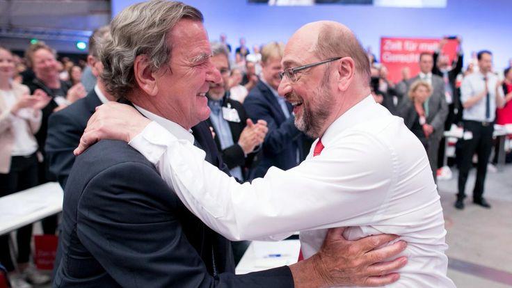 Altkanzler Gerhard Schröder wurde in den Aufsichtsrat von Rosneft berufen. Und die Kritik hält an. Jetzt mischt sich auch SPD-Chef Schulz ein. Und reagiert mit harten Worten.