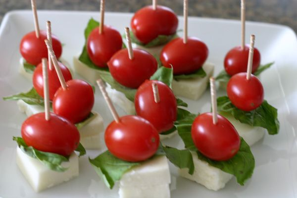caprese skewersCapr Skewers, Caprese Hors, Capr Recipe, Capr Bites, Caprese Skewers, Hors Doeuvres, Capr Appetizers, This Exercise Takes Place Outside, Hors D Oeuvres