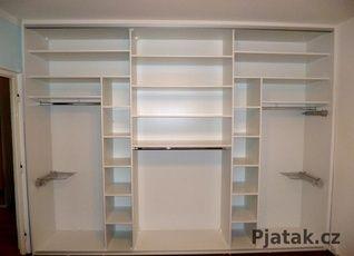 Vnitřní uspořádání vestavěné skříně