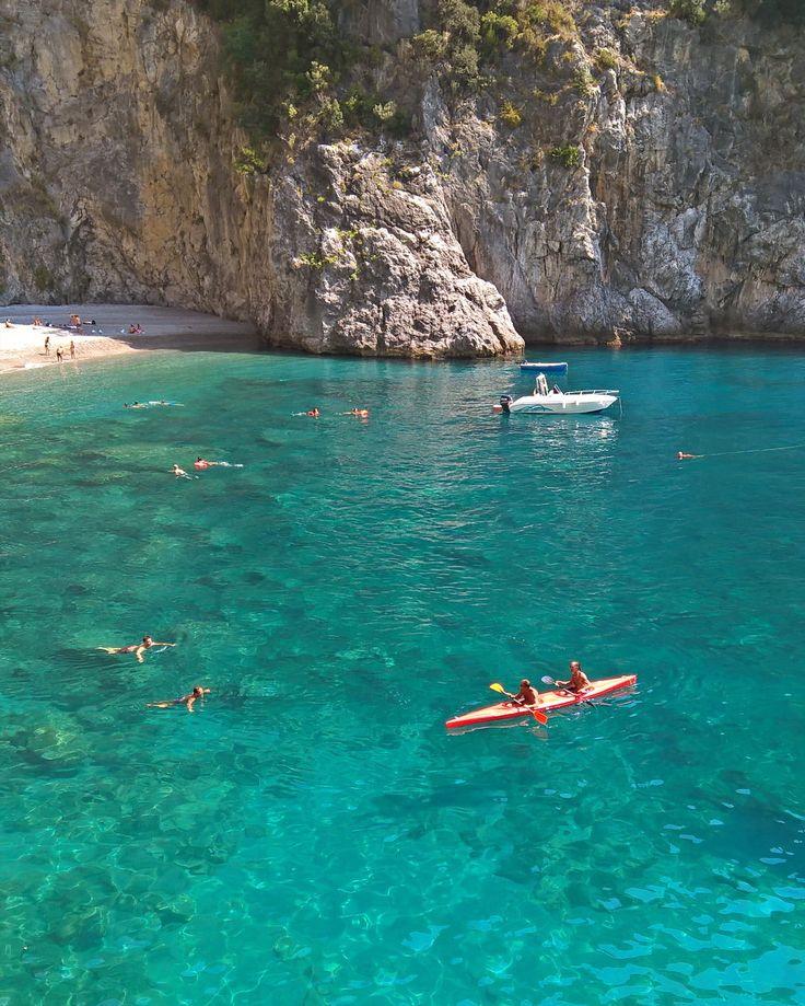 • Trasparenze • (enjoy the silence) #summer #view #landscape #photooftheday #amalficoast #silence #capture #nofilter #igers #costieraamalfitana #wild #beach #nature #tagsforlikes #italy