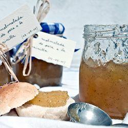 Pear and vanilla jam/jelly, (recipe in Catalan, translator on sidebar)