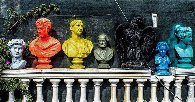 Street museum via pandolfino #colors #colorful #sculpture #masterpiece #yellow #green #blue #classic #mozart #david #eagle #culturalheritage #creative #ispiration #garden #gardendesign #manumarra #arthistory #art #sprayart #streetart #photooftheday #tbt #cute #picoftheday #fun #artoftheday #dscolor #creativityfound #instacool