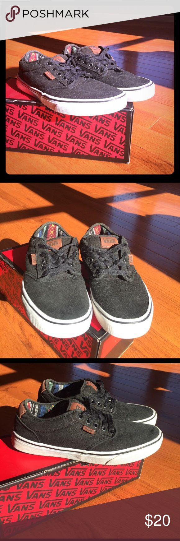 Vans Black/White/Tan shoes - Size 8.5 Vans skate shoes with padded sides and tongue. Design on the inside. Worn a bit but still in great condition and completely clean. Comes with box. Offer a price if interested! Vans Shoes Sneakers