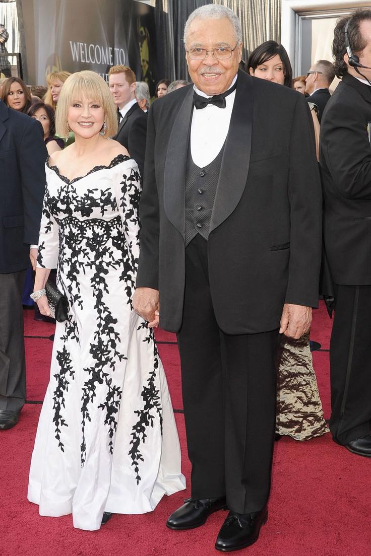 2012 Oscars - James Earl Jones & his wife Cecilia Hart