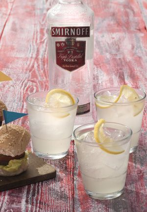 Smirnoff Vodka & Gosling's Ginger Beer: 1 part Smirnoff Vodka, 3 parts Gosling's Ginger Beer and garnish wit lemon slices