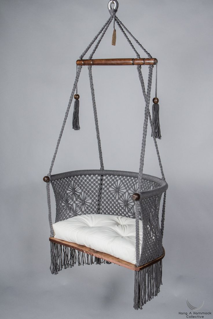 Hanging Chair in Macrame in Grey