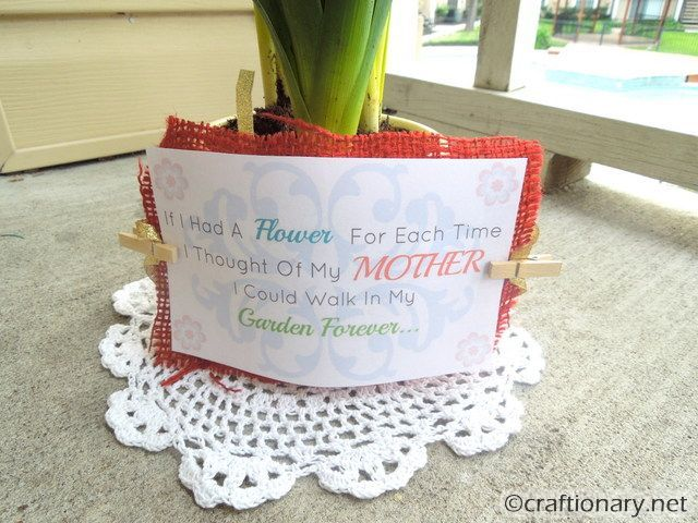 20 Free Mothers Day Cards & Printables - The Wilderness Wife - www.wildernesswife.com #Mothers #Printables