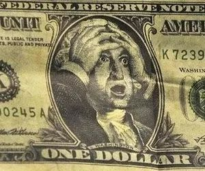 Analysts: 76% Risk Of Crash For The US Dollar This Year