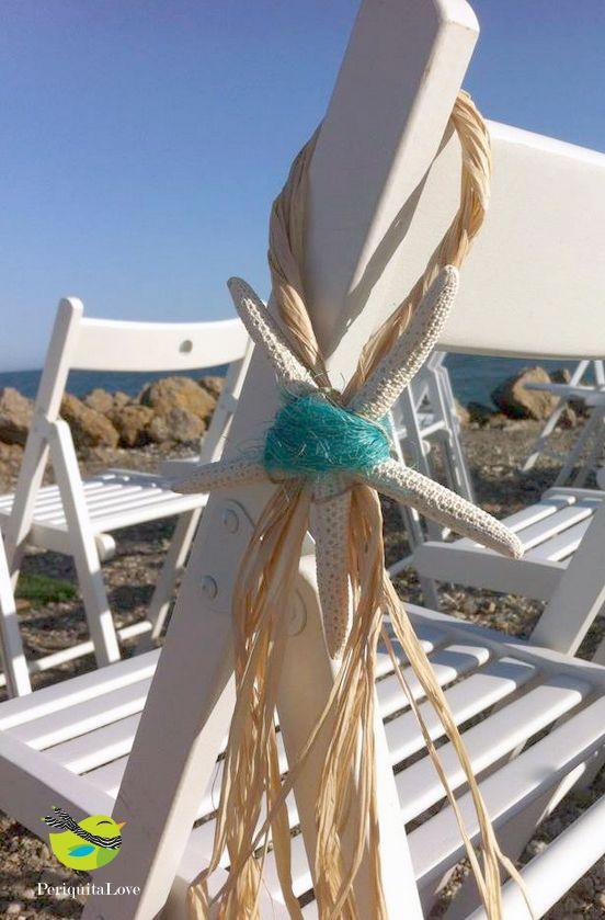 Perfecta decoración para las sillas de una boda en la playa! #innovias