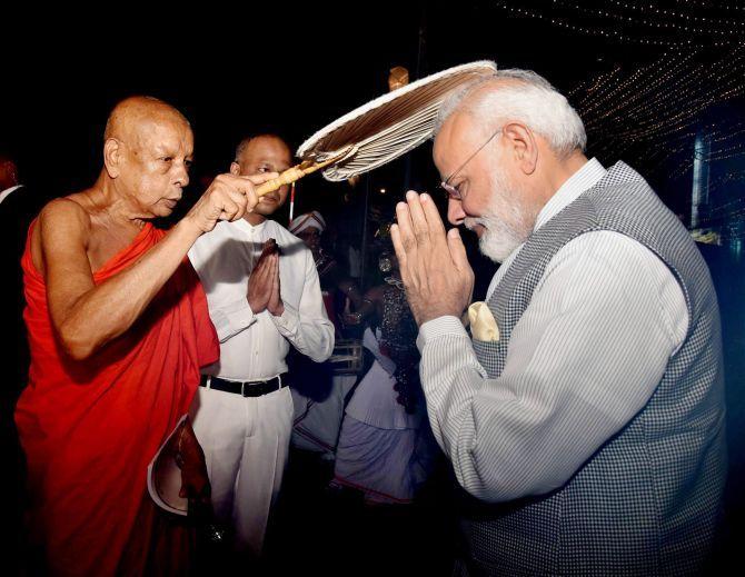 Photographs: PM in Sri Lanka, prays at aged Buddhist temple  http://www.bicplanet.com/world-news/photographs-pm-in-sri-lanka-prays-at-aged-buddhist-temple/  #World