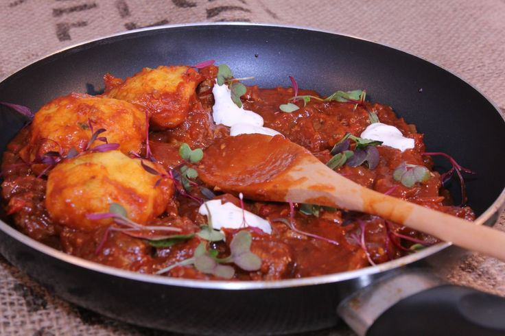 Chilli Braised Beef with Cornbread Dumplings - Make delicious beef recipes easy, for any occasion