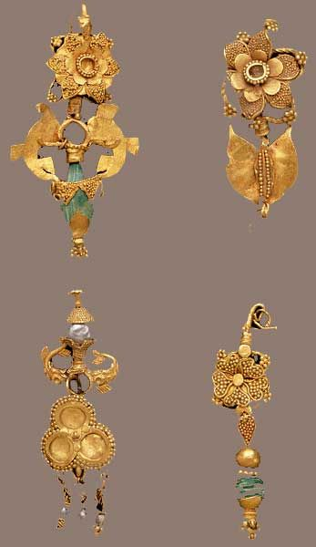 florali: earrings ~ I ndia 1st century
