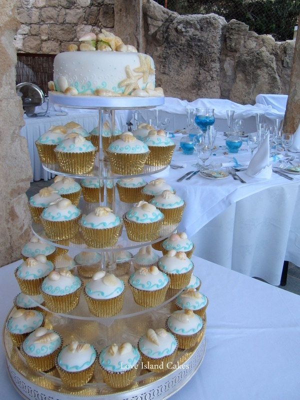 beach wedding cakes with cupcakes 25 best images about island cakes individuals 11188