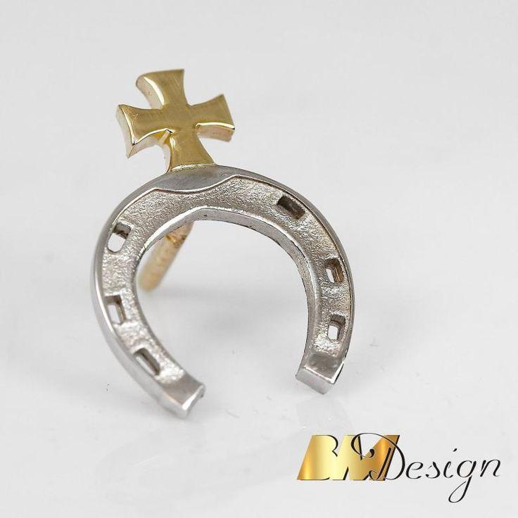 Herb ze złota Złote logo firmoweLogo firmowe z e złota wpinka #logo #złotelogo #znaczekfirmowy #herb #herbrodowy #nazamowienie #biżuterianazamowienie