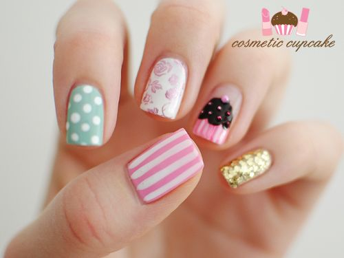 pretty nails with a cupcake :)