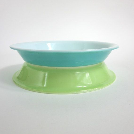 Vintage Pyrex Lime Green Pie Pan / 9 Inch & 435 best Pie Carriers u0026 Keepers u0026 Pans u0026 Plates images on Pinterest ...