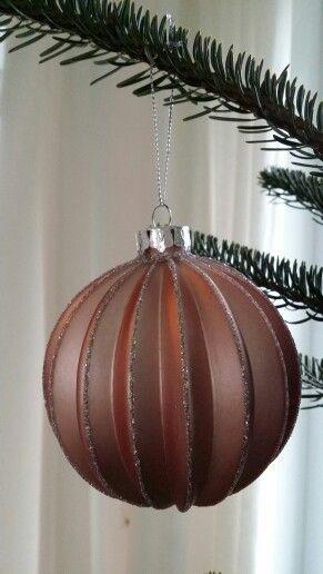 Habe dieses jahr besondere weihnachtskugeln gefunden; schönster Baum seit langem