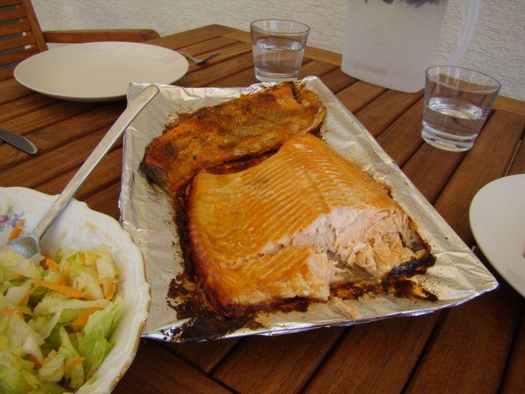 Zauzený grilovaný losos v Muurikka Smoker  http://www.gril-muurikka.cz/muurikka-smoker-p1619