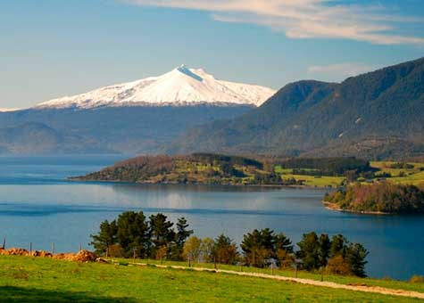 Lago Riñihue, Volcán Choshuenco, Chile