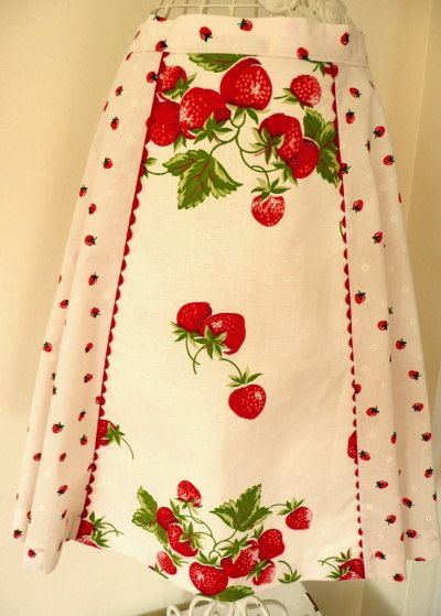 For the lover of a vintage red and white kitchen this apron is perfect! It is fashioned from a 1940s Butterick pattern. The fabric is a