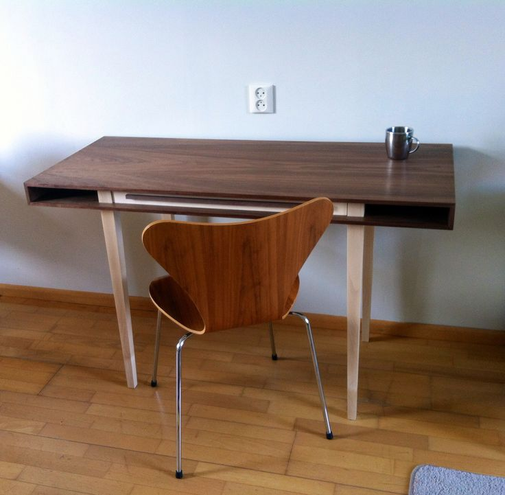 Desk by Jean-Paul Corel