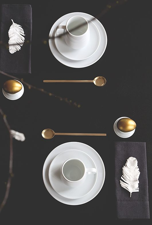 black + white table setting / Trendenser