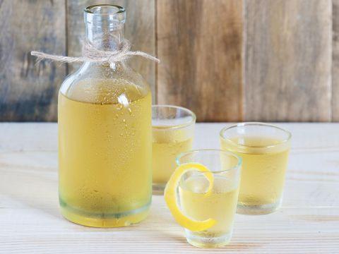 Limoncello fatto in casa - Homemade limonchello