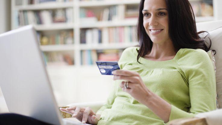"""Az e-kereskedők ünnepe az első novemberi péntek immár ötödik éve. Az """"ünnepi nyitva tartás"""" pedig 24 órás! Ugyanis ez a péntek az online vásárlás piros betűs napja, hivatalos nevén: az internetes vásárlás napja."""