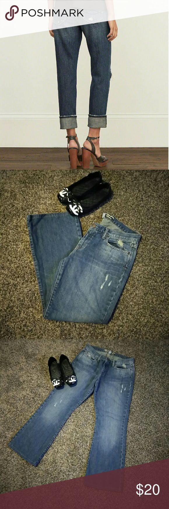 Abercrombie and Fitch jeans my sister's? only used ones for a teme party.... girl's need to be dressed as a boy and boy dressed as a girl .....lol!! she tell me i don't know how to splain how jeans look but looks very lose and square and baggie really like my boyfriend jaja so i realize its a very boyfriend look jeans size 10R Abercrombie & Fitch Jeans Boyfriend