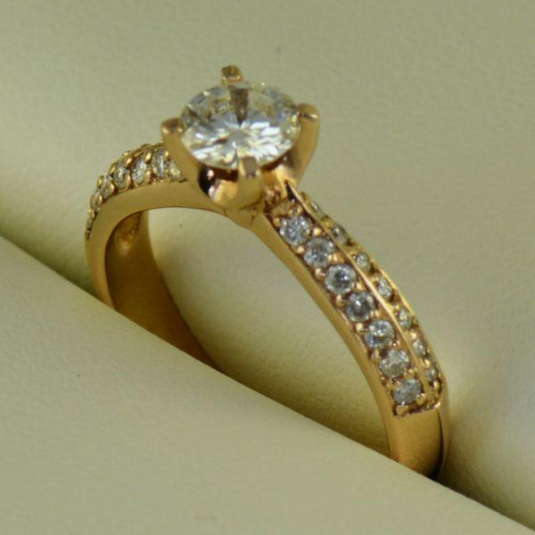Inel de logodna cu diamante, din aur roz - Artofdiamonds.ro http://www.artofdiamonds.ro/inele-de-logodna-1/inele-de-logodna-cu-diamant/inel-de-logodna-cu-diamante-din-aur-roz #diamante  #ineledelogodnacudiamante #inelecudiamante #diamonds #diamondengagementrings #diamondrings