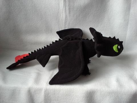 Fogatlan sárkány 50 cm hosszú