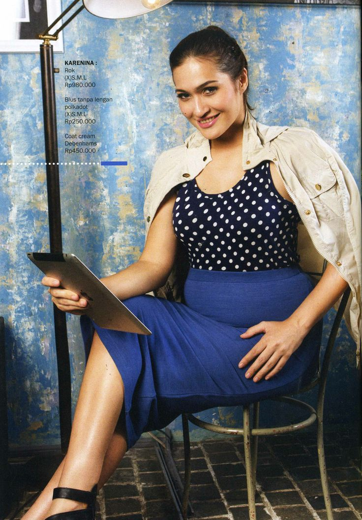 (X)S.M.L Polkadot Sleeveless Blouse and Blue Skirt are appeared on Kartini - May 2013