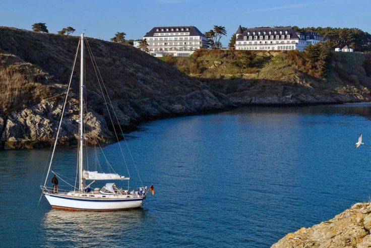 La Bretagna, Belle-Ile-en-Mer, il Castel Clara Thalsso & Spa, membro Relais & Châteaux vi accoglie in un luogo magico dove lusso, calma e piacere si uniscono all'oceano e alla natura.