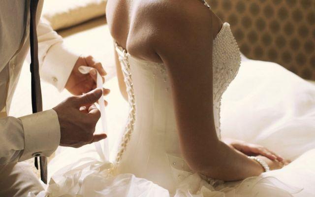 La Passione, Primo Ingrediente Di Un Matrimonio Felice Un matrimonio felice non può prescindere da una buona comunicazione nell'universo fisico. Ma cosa è l''universo fisico'? Due cose. Soddisfacimento sensoriale e azione.