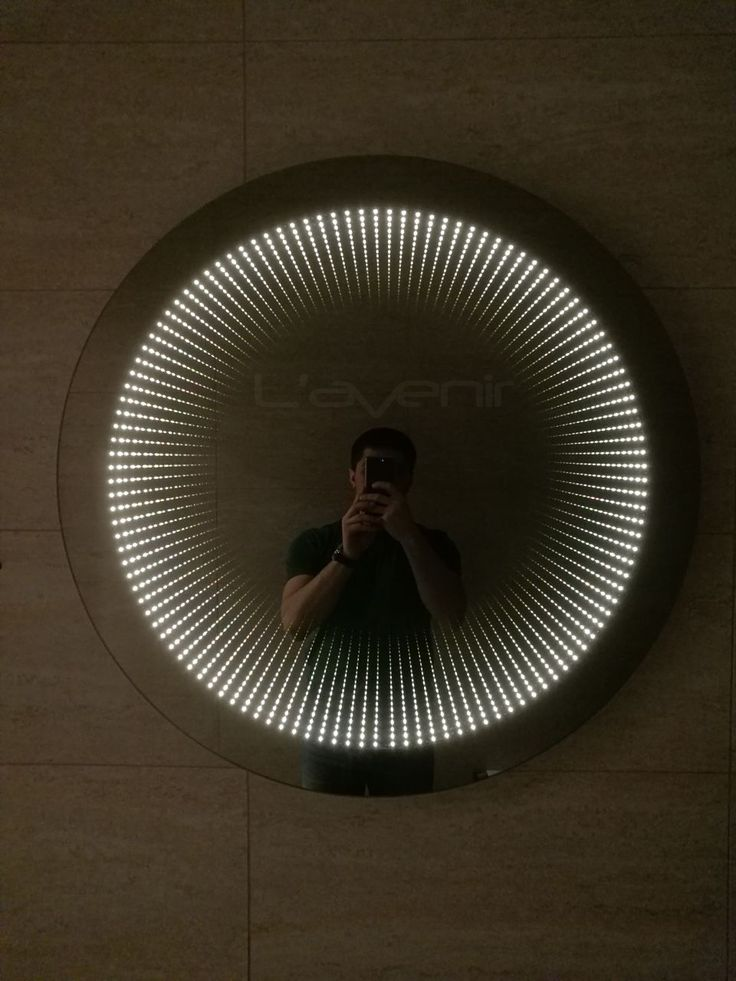 Это дуэт!  Оба они красивы, особенно бесконечность конечно. Но вместе, в одной ванной комнате, просто бомба!💣  #lavenir #mirror #spb #лавенир #зеркаласподсветкой #СПб #зеркаланазаказ #красивоезеркало #подсветкаванной #LM #ваннаякомната #классноезеркало #дизайнванной #дизайн #интерьер#бесконечность#infinitymirror#красотавдеталях