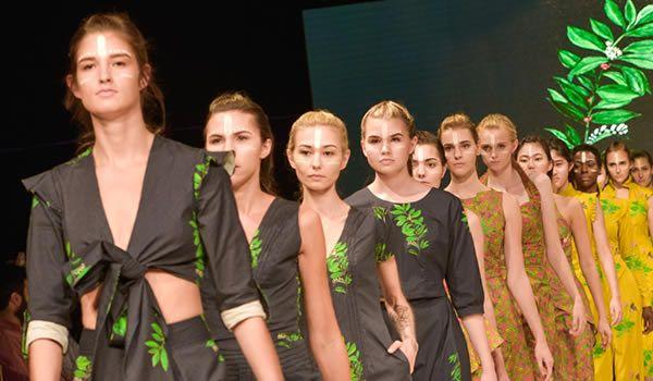 Casa Lefay SS17 - Casa Lefay VFW SS17 - Casa Lefay Verão 2017 - Casa  Lefay Summer 2017 - Sortimentos.com Moda Eventos Internacional - Desfile de Moda Verão 2017 - Casa Lefay Vancouver Fashion Week - VFW SS17 Vancouver Fashion Week - Desfile Casa Lefay coleção Verão 2017 sustainable fashion eco friendly fashion