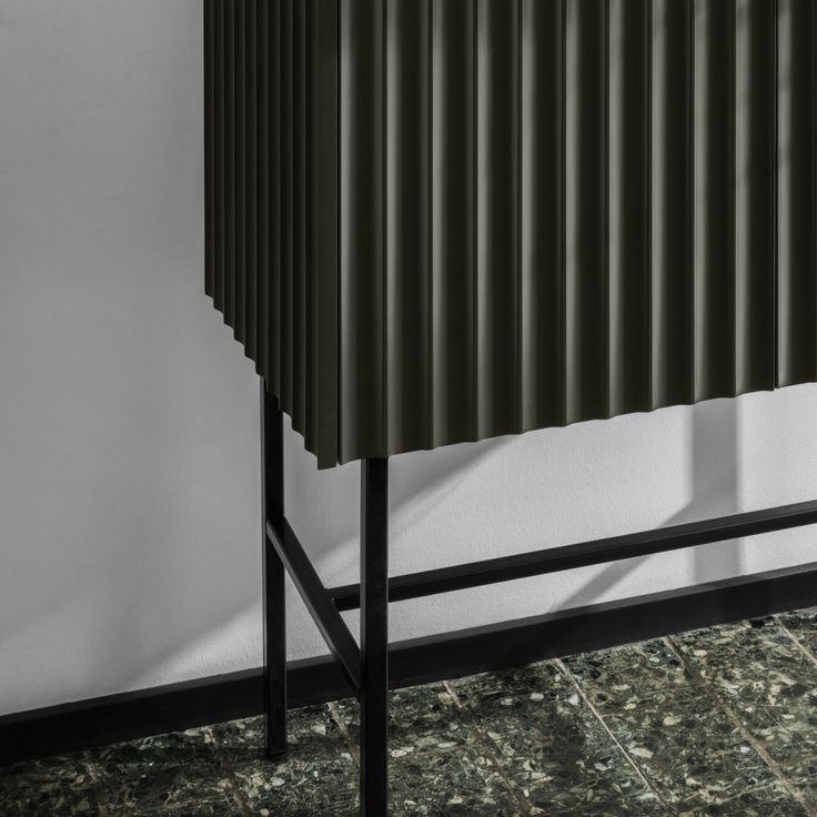 A design that lasts over time. In classic interior design, straight lines are a fundamental element, which is the reason for Afteroom's design - a design that is here to stay.