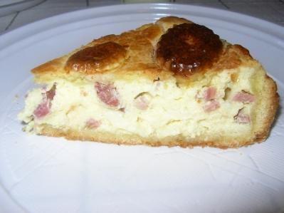 Torta di pasta frolla con ripieno salato (ricetta napoletana)