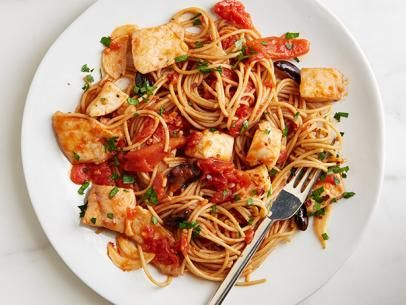 Spicy Fish and Olive Spaghetti #Pasta #Grains #Protein #MyPlateFood Network, Olive Spaghetti, Fish Spaghetti, Spaghetti Recipes, Network Kitchens, Healthy Dinner, Favorite Recipe, Easy To Following Spicy, Spicy Fish