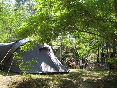 Provence - Leuke camping met huur accomodaties, zwembad met glijbaan - rivier - mooi uitzicht. Frankrijk